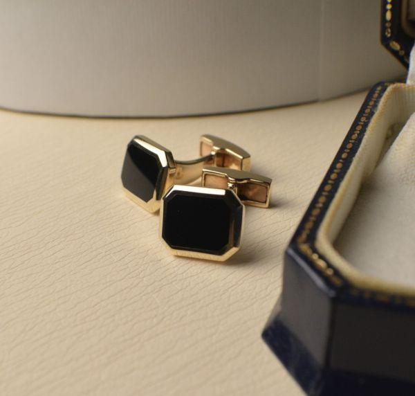 Hallmarked 9ct Yellow Gold cufflinks set with Onyx