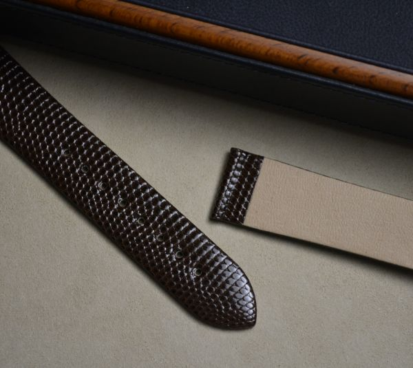 20mm x 18mm Hirsch Brown Genuine Lizard watch strap (017 66 10)