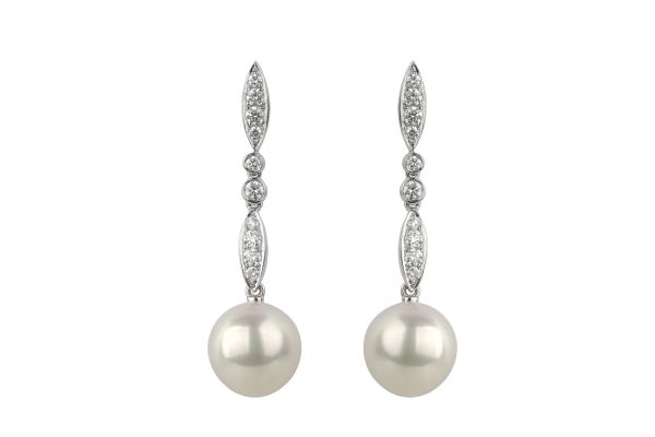 MA15608 Cultured Pearl & Diamond Vintage Drop Earrings in 18ct White Gold