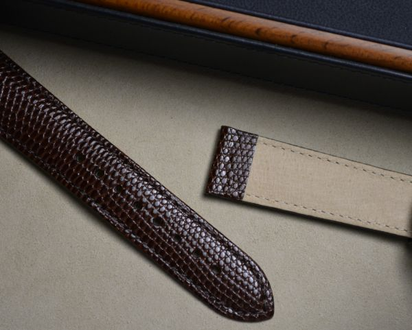 20mm x 18mm Hirsch Brown Rainbow lizard strap (1232 26 10)