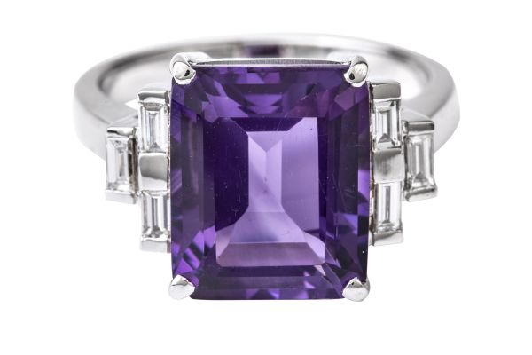 SE15513Emerald Cut Amethyst & Diamond Ring in 18ct White Gold