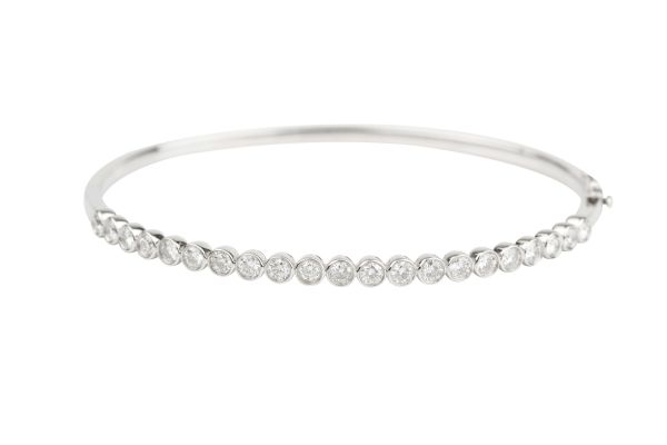 SN7717 Diamond set Bangle in 18ct White Gold ( 1.51ct )