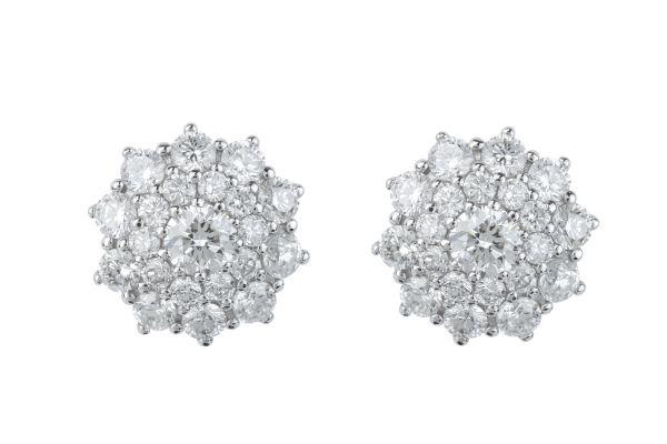 TP7648 Diamond Cluster Earrings in 18ct White Gold