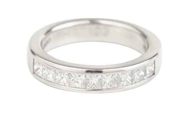 HET103 Princess Cut Diamond Half Eternity Channel set Ring in Platinum (1.00ct)
