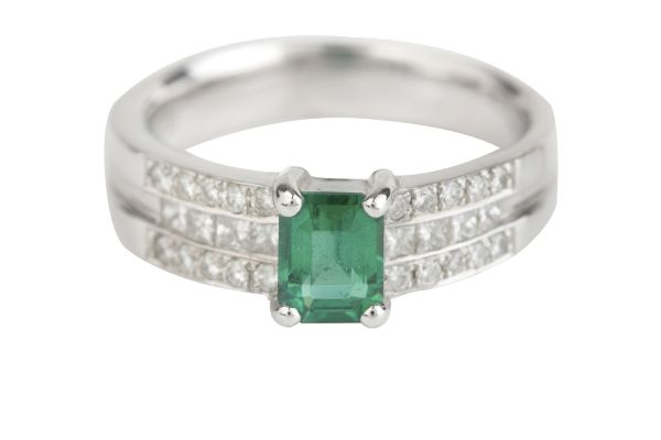 TP00549 Emerald & Diamond Wide Band Ring in 18ct White Gold