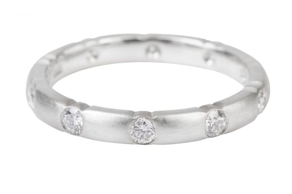 XD513 Diamond Eternity Ring in Platinum (0.50ct)