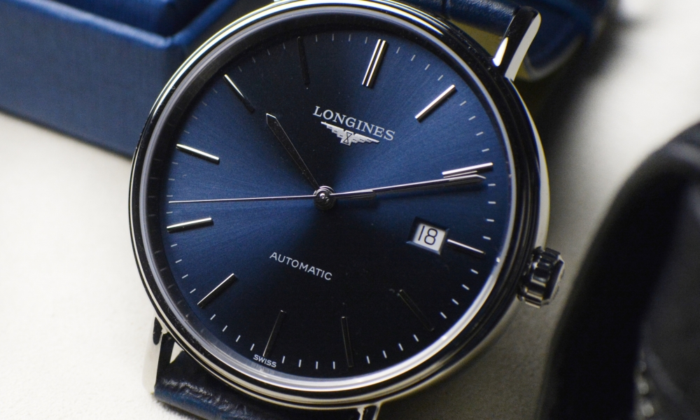 Playing the blues with the Longines Presence